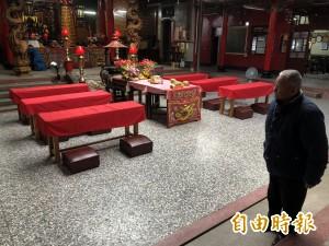 醉女大鬧寺廟清淨地   年邁「果生」慘遭痛毆重傷