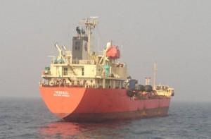 涉嫌駁油北韓 海巡署登檢比利恩油輪