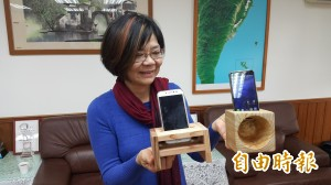 天然ㄟ尚好!  木造手機擴音箱免電池
