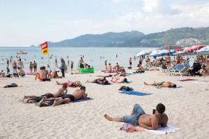 泰國24座海灘今起禁菸   違者囚1年或罰款9.7萬