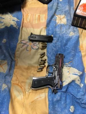 男擁網紅「小烏茲」道具槍 改槍管5秒轟26發子彈