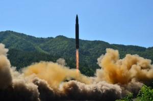 從海底襲擊... 美國防部:俄羅斯研發核彈頭魚雷