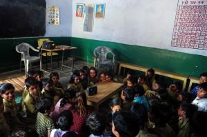 追查誰是小偷 印度校長對13名小學生使用火刑