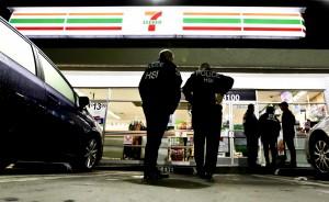 貫徹川普政策 美移民局突襲加州77間公司