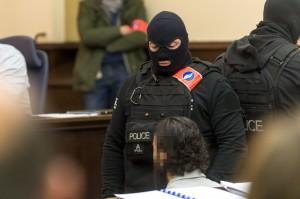巴黎恐攻倖存嫌犯布魯塞爾出庭  全程緘默拒答