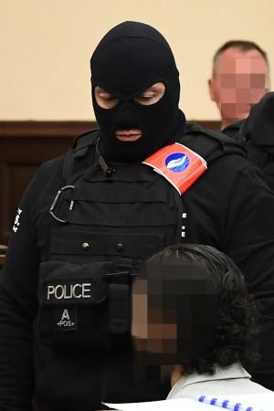 巴黎恐攻嫌犯拒出庭 受害者律師怒批:藐視法治