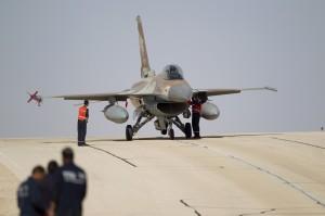 以色列F-16戰機 遭敘利亞擊落