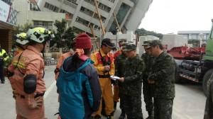 陸軍司令王信龍拜會傅崐萁 討論災後復原