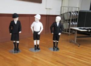 日小學制服跟亞曼尼合作 原本還找了愛馬仕等名牌