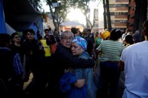 墨國7.2強震未傳傷亡...官員勘災墜機反倒釀2死