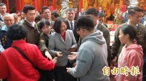蔡總統18廟宇拜年將結束 府包容抗議人士