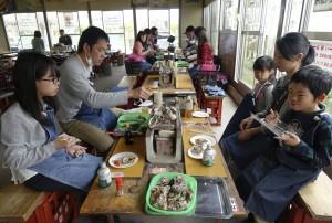 日本三重縣餐廳推牡蠣吃到飽 36人吃完食物中毒