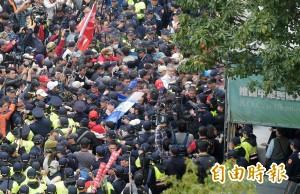 八百壯士籲年改要協商 揚言號召20萬人上街頭