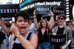 美國新法通過後第一人 首位跨性別者簽約入伍