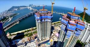 驚悚! 摩天大樓工地 3工人從55樓墜落身亡