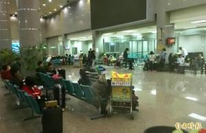 受金門濃霧影響航班 小港機場旅客怒