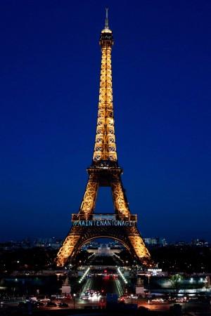 挺國際婦女節 巴黎鐵塔亮燈:#現在我們行動了