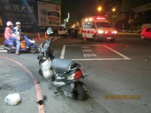高市路口車禍 騎士撞飛雙手骨折
