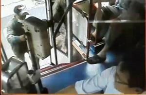 高雄7旬老翁公車上猝死 司機終站交班才發現
