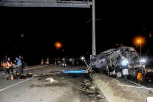 移民悲劇!土耳其巴士車禍起火 17死36傷