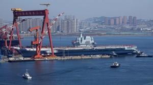 下水近1年   中國首艘自製航母傳4月在渤海海試