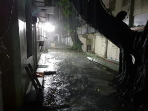 綠島、蘭嶼豪雨特報!狂風暴雨又打雷 蘭嶼全島大停電