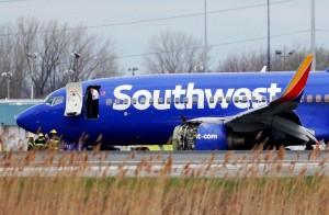 西南航空班機引擎爆炸迫降費城 乘客險被吸出釀1死7傷