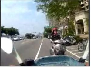 酒駕女逆向遇警 催油門逃竄自撞貨車GG