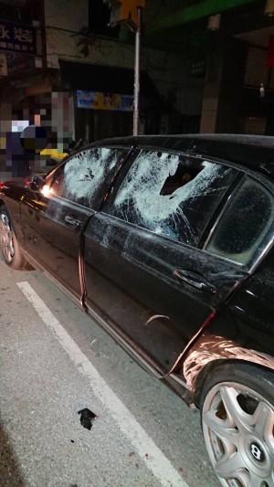 到摩鐵喬事開千萬賓利 慘遭砸車損失上百萬