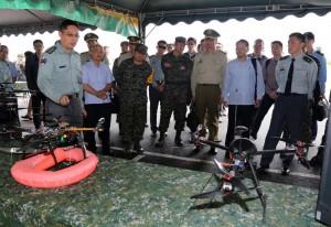 軍備局首次無人機射擊展示 15中5