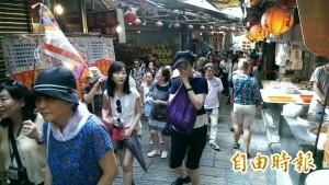 日本黃金週來台觀光 九份被日客擠爆!