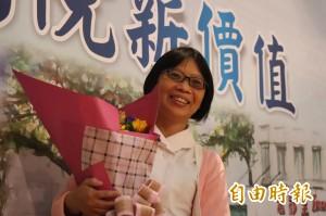 曾入鏡病患的全家福照 陽大護理長吳富美獲表揚