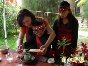 奉茶謝親恩、表演到深夜 原民部落2國小慶祝母親節