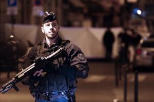 巴黎恐攻釀1死4傷   兇嫌朝警怒嗆:我要殺了你!