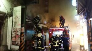 士林夜市火警 警消緊急疏散上百人