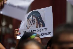 灌輸「父女發生關係很正常」印度狼父姦淫13歲女兒