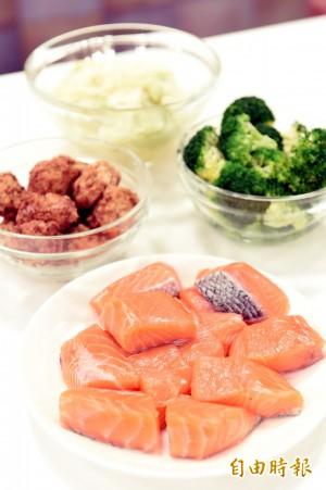 中國央視竟大力推銷「假鮭魚」 網酸:厲害了我的黨媒
