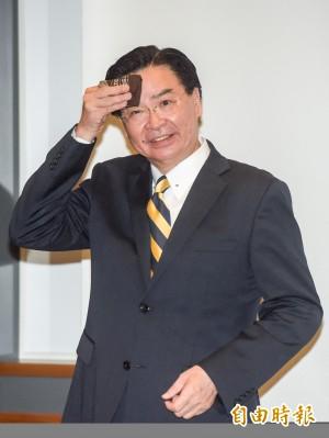 中生詢問敏感問題 吳釗燮回應全場熱烈掌聲