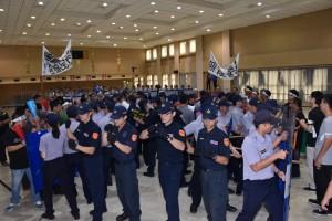 基層警加薪1370元 員警:做的久才領的多