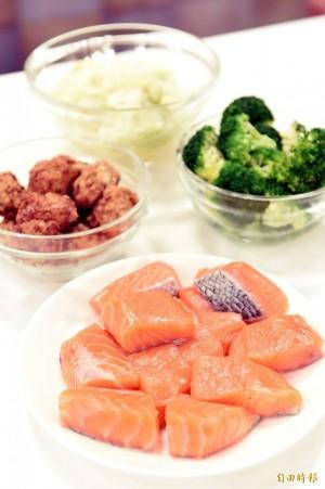 中國「假鮭魚」引食安恐慌 專家3大要點教你健康吃