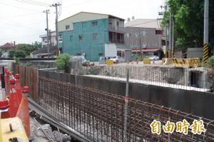 交通與防汛難兩全 斗六榴南橋比路面高近1公尺