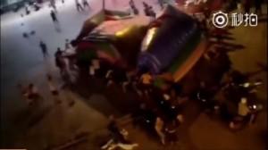 充氣城堡遭強風吹飛 6歲童半空中墜落慘死