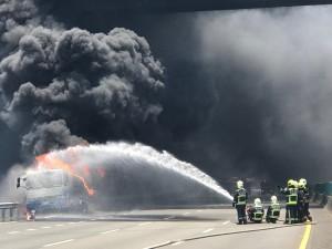 油罐車火勢撲滅 國三清水至大甲段雙向開放通行