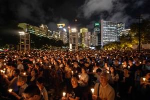 六四29週年 香港民眾湧入維園悼念死難者
