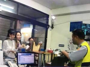中國交換女學生沒錢投宿 派出所長伸援
