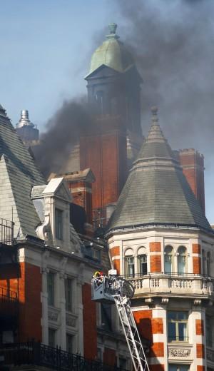 剛砸巨資翻修完成 倫敦文華東方酒店失火