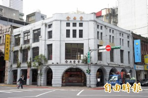 單月吸引10萬書迷到訪「道別」 金石堂城中店2週後熄燈