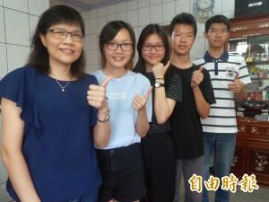 5個孩子的媽好上進!喜圓大學夢 巧和4兒女同時畢業
