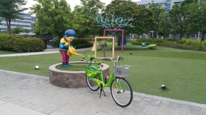 騎T-bike集點抽大獎!快去找「澆水男孩」打卡拍照