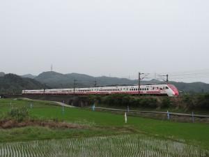 宜蘭清晨5.2地震 台鐵宜蘭至南澳列車一度延誤、已恢復正常